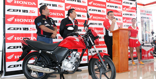Lanzamiento Honda CB1 SE 2015